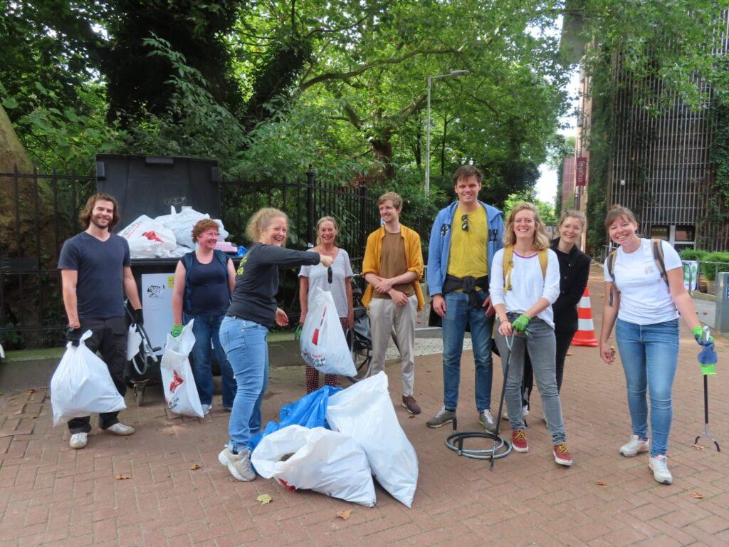 Zwerfafval actie 25 jaar Rijksmonument Vondelpark